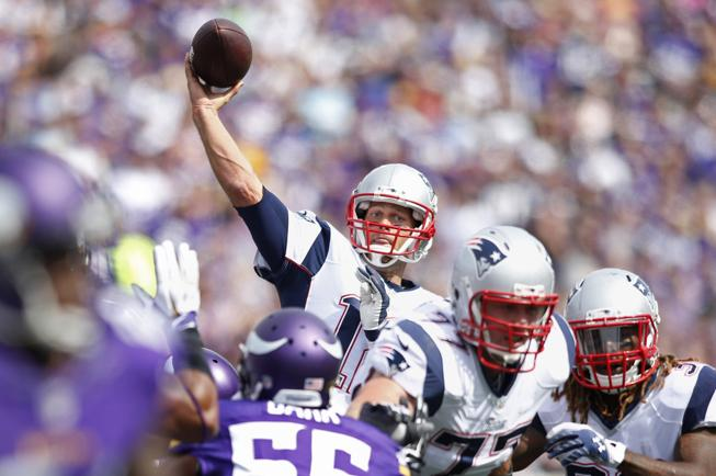 2014-09-14T190355Z_398909226_NOCID_RTRMADP_3_NFL-NEW-ENGLAND-PATRIOTS-AT-MINNESOTA-VIKINGS