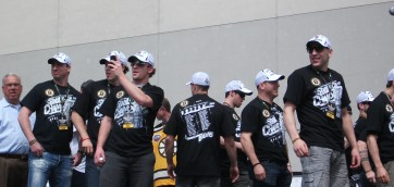 BRUINS IN A MUCH BETTER TIME…..JUNE 2011 !!!