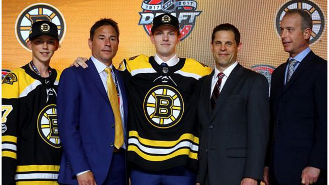 Bruins select Urho Vaakanainen in the first round