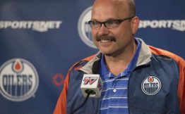 edmonton-oilers-general-manager-peter-chiarelli-talks-to-the2