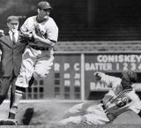 Red Sox announce the passing of HOF'er Bobby Doerr